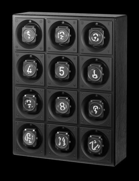Douze montres portant chacune un numéro différent compose le BR Twelve O'Clock de Bell & Ross.