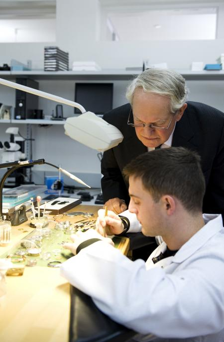 John Blashford-Snell lors de sa visite à la manufacture Zenith