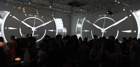 En céramique noire, avec et sans diamants, la Dior VIII a été mise à l'honneur le 8 juin 2011 à New York.