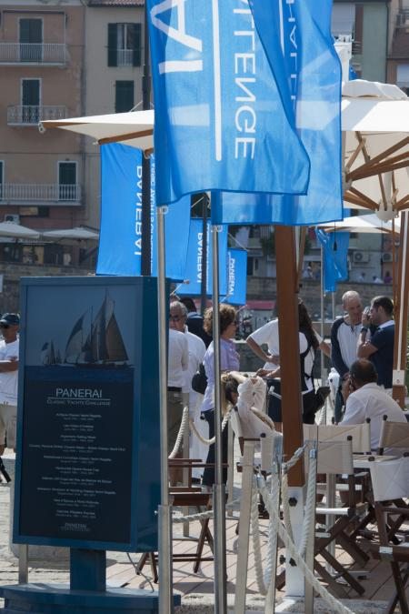La bonne humeur et le soleil étaient au rendez-vous pour l'Argentario Sailing Week : second rendez-vous du Circuit Méditerranéen du Panerai Classic Yachts Challenge 2011.