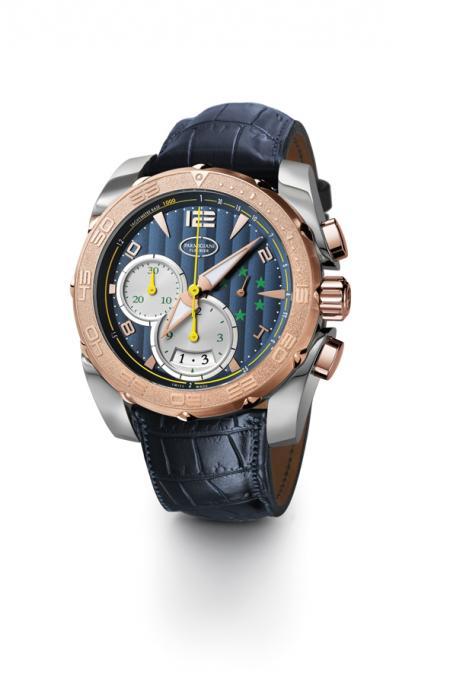 Aux couleurs de la CBF, le chronographe Pershing en titane et or rose offert à Ronaldo arbore 5 étoiles évoquant les cinq titres de Champion du monde du Brésil.