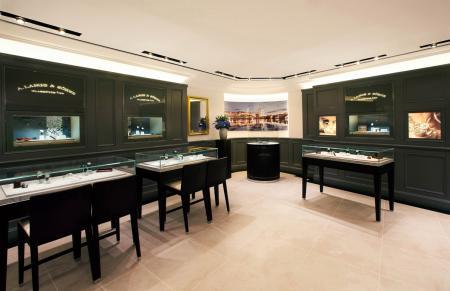 Le mobilier et l'ambiance incarnent l'esprit de perfection qui anime la maison A. Lange & Söhne.
