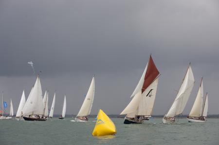 Les concurrents ont dû faire face aussi bien à des brises de 20 noeuds qu'à des vents faibles et capricieux.
