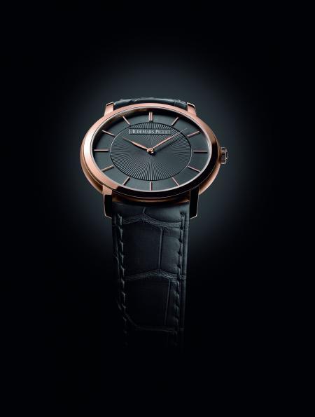 La montre Jules Audemars 'Bolshoï' abrite un mouvement automatique d'à peine 2,45 mm d'épaisseur.