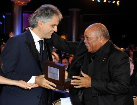 Andrea Bocelli et Quincy Jones.