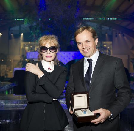 Jean-Frédéric Dufour - Président et CEO de Zenith - avec Arielle Dombasle lors du Gala de bienfaisance de l'association Smiling Children.