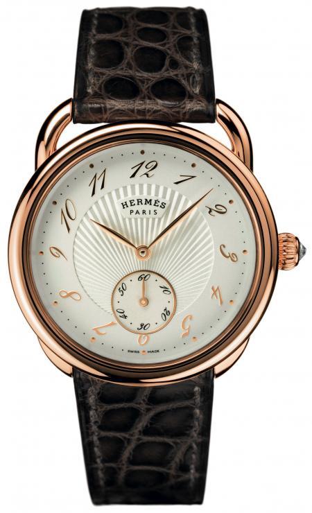 La montre Arceau Calibre H1912 est dotée d'un cadran réalisé par Natéber SA. ©Paul Lepreux