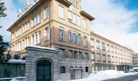La manufacture Girard-Perregaux.