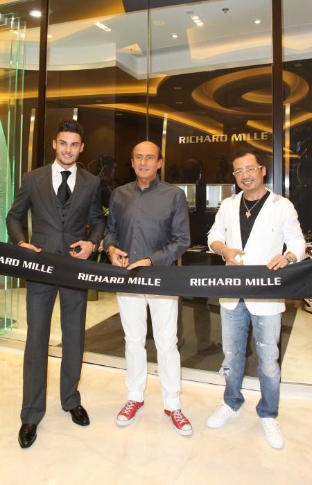 Baptiste Giabiconi, Richard Mille et Dave Tan (CEO de Richard Mille Asie) lors de l'inauguration de la nouvelle boutique de Hong Kong.
