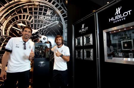 Gianluigi Buffon et Andrea Pirlo de la Juventus de Turin lors de l'annonce du partenariat entre Hublot et la célèbre équipe italienne.