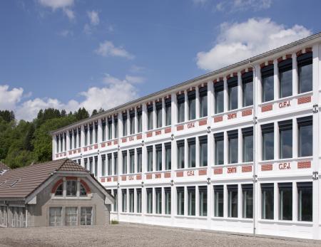 L'édifice central de la Manufacture Zenith rénové.