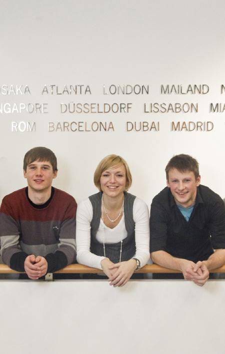 Les heureux lauréats : Eric Geissler, Janina Thiele and Patrick Ritschel (en partant de la gauche).