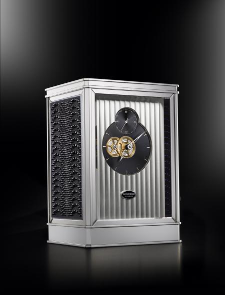La pendulette 15 jours Lalique - Parmigiani Fleurier, en noir.