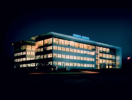 Roger Dubuis, dédie un film au très exclusif Poinçon de Genève - La Manufacture Roger Dubuis