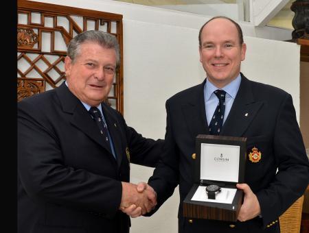 Le Commodore Bernardinio Fanganiello et le Prince Albert II de Monaco avec sa Admiral's Cup Seafender 48 Tides Iate Clube de Santos