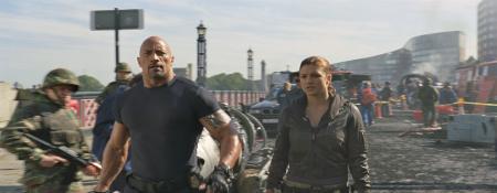 L'acteur Dwayne Johnson, héros de la saga à succès Fast and Furious 6, porte une montre de la fabrique horlogère suisse Oris dans le dernier film Fast and Furious 6.
