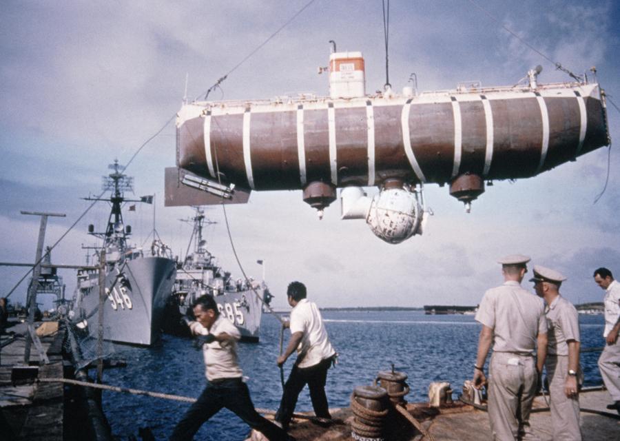 Le sous-marin Trieste en 1960