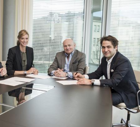 Georges Kern entouré de Nadja Schildknecht et de Karl Spoerri