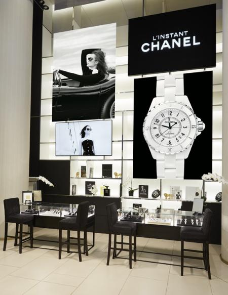 Boutique éphémère Chanel au Printemps du Louvre