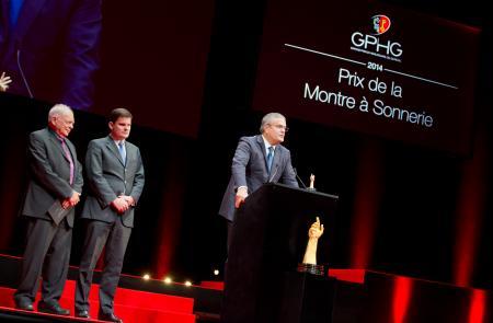 Antoine Simonin et Patrick Wehrli (membres du jury), Ricardo Guadalupe (CEO de Hublot, marque lauréate du Prix de la Montre à Sonnerie 2014)