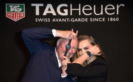 Cara Delevingne et Jean-Claude Biver, CEO de TAG Heuer et Président de la branche Montres de LVMH