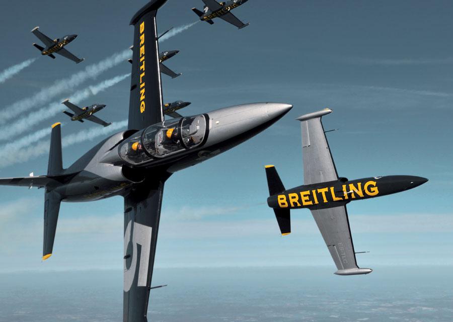 Vol de démonstration de la Breitling Jet Team