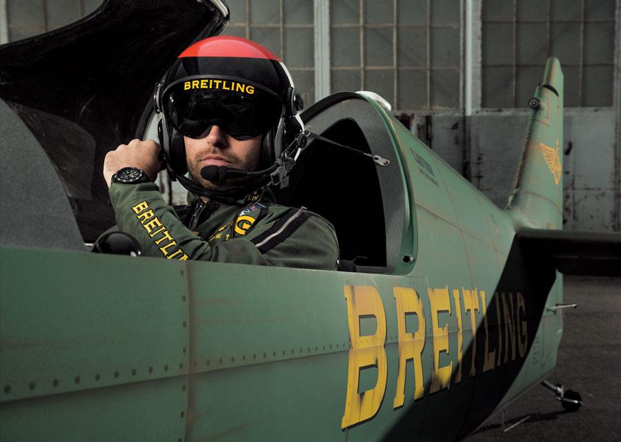 Mika Brageot, pilote de la Breitling Racing Team dans le MXS-R