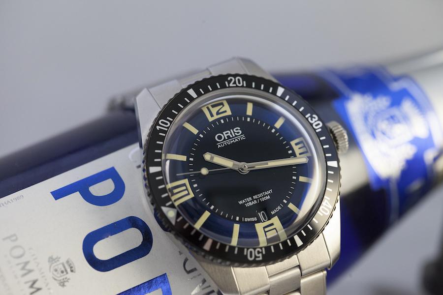 Montre ORIS Divers Sixty-Five - Acier - Cadran noir et bleu, bombé - Calibre automatique 733 - Bracelet acier