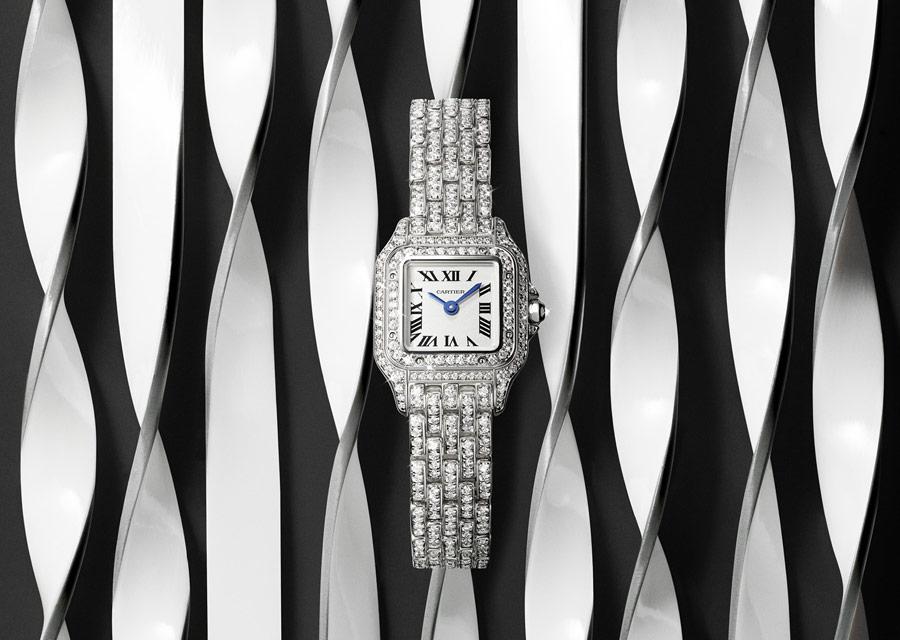 Panthère de Cartier en or blanc pavé de diamants