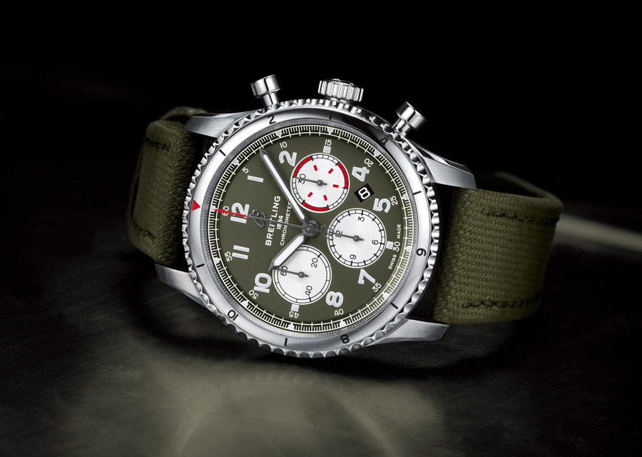Breitling Aviator 8 B01 Chronographe 43 Curtiss Warhawk