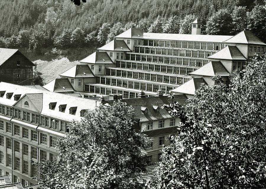 Le bâtiment en terrasses de Schramberg en 1918