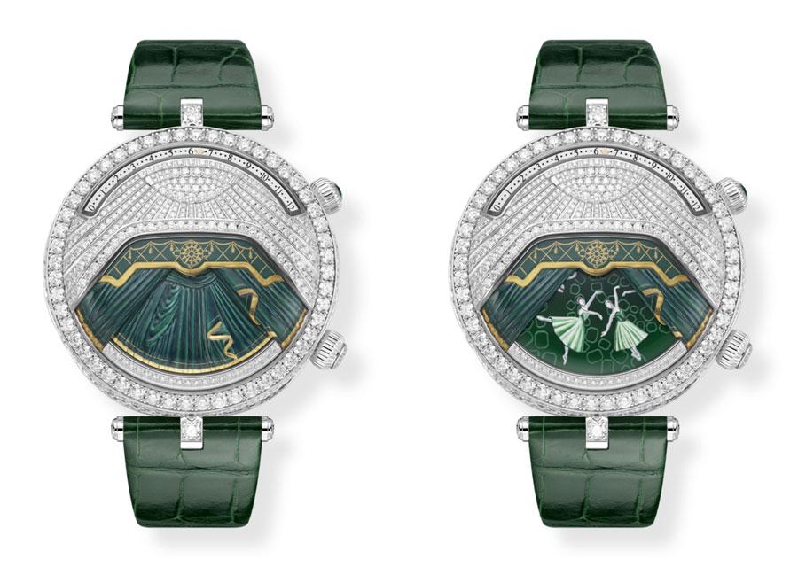 La montre Lady Arpels Ballerine Musicale Émeraude, rideau ouvert et fermé.