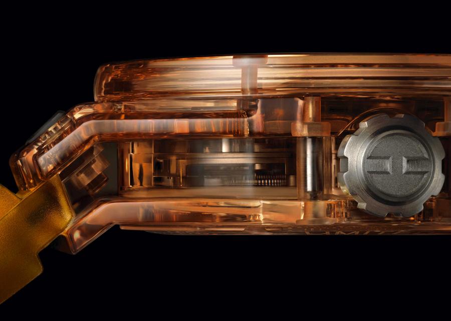 La Big Bang Tourbillon Automatic Orange Sapphire est une vraie innovation avec son boîtier en saphir teinté dans la masse.