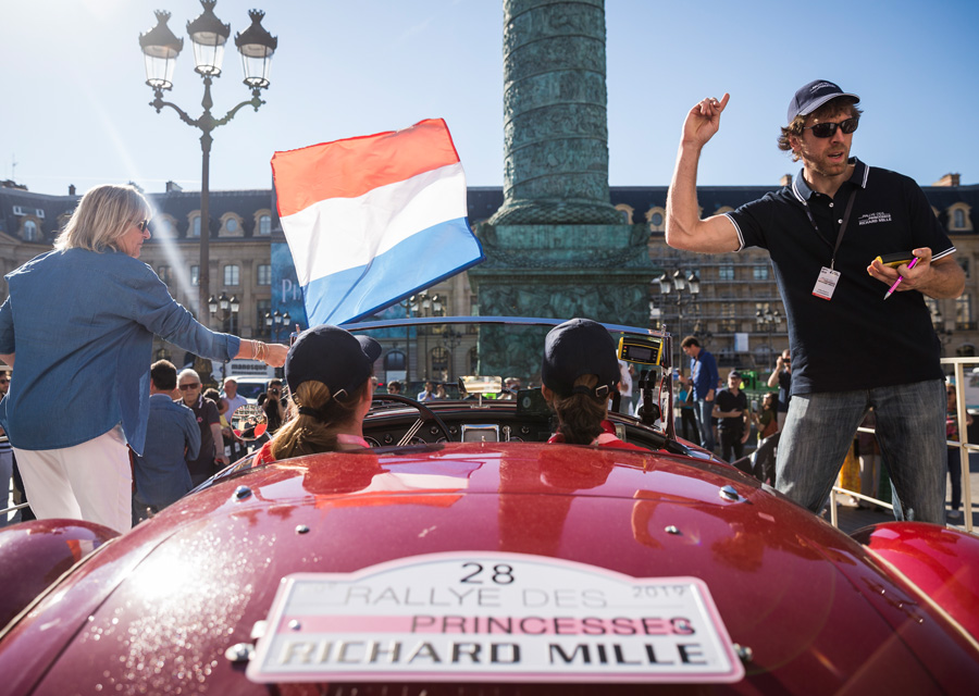 Le Rallye des Princesses Richard Mille 2020 au départ de la place Vendôme