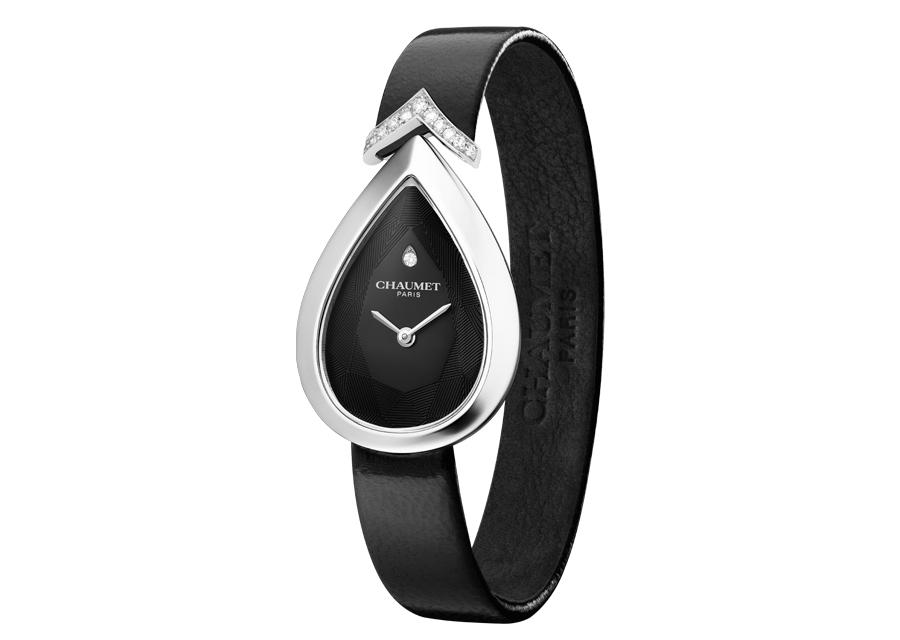 La montre Joséphine Aigrette de Chaumet en or blanc et cadran noir