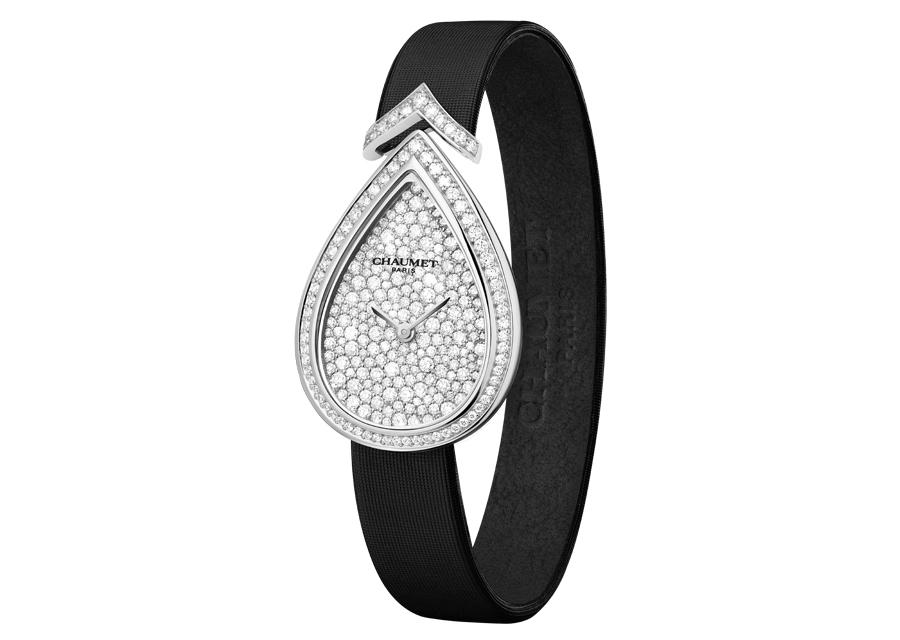 La montre Joséphine Aigrette de Chaumet en or blanc pavée de diamants
