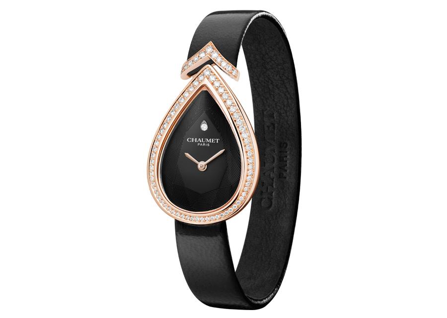 La montre Joséphine Aigrette de Chaumet en or rose, diamants et cadran noir