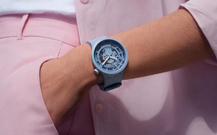 La version bleue de la nouvelle Big Bold de Swatch