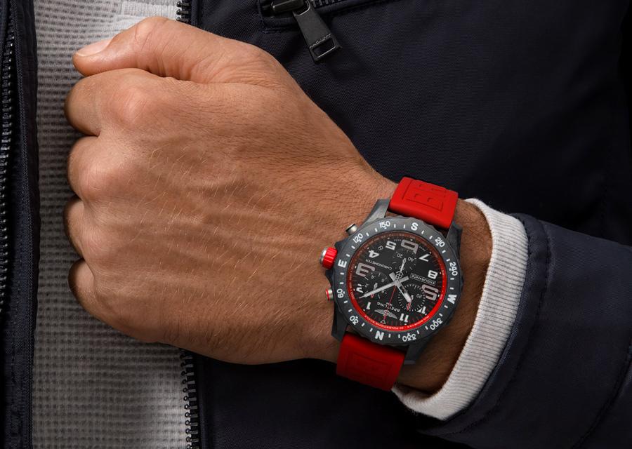 Chronomètre certifié COSC, le modèle Breitling Endurane Pro  est étanche à 100 mètres