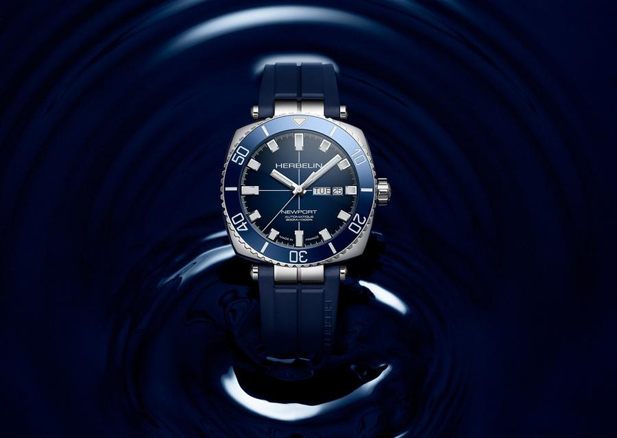 La montre Newport Héritage Diver est étanche à 300 mètres