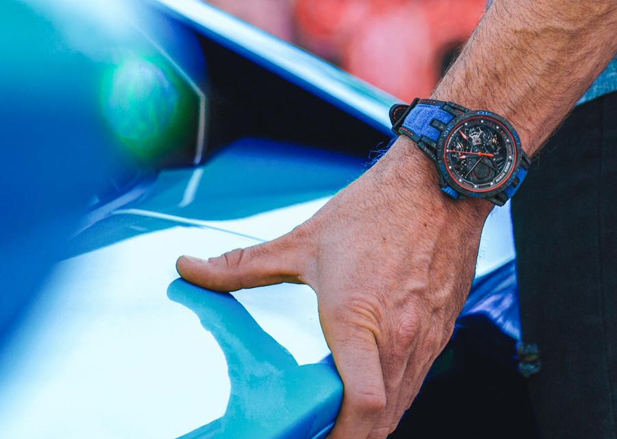 Vision high-tech du manage entre montres et automobile, l'Excalibur Spider Aventador S illustre le partenariat ente Roger Dubuis et Lamborghini