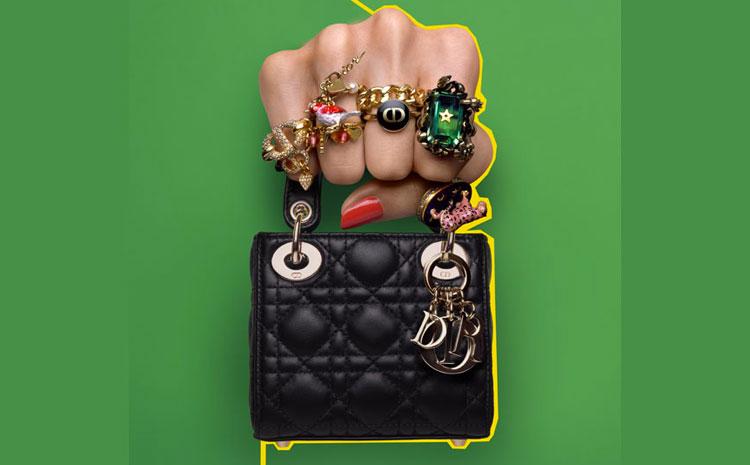 Le Micro sac Lady Dior en version noire intense