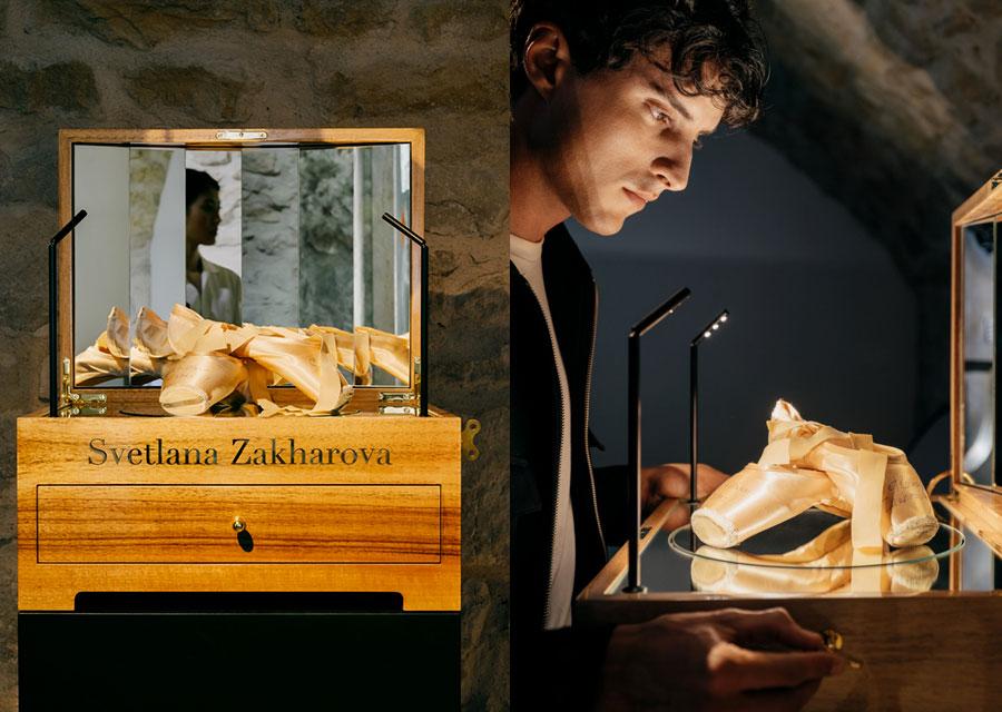 Les chaussons de danse de la ballerine russe Svetlana Zakharova à l'exposition Extraordinary Friendships