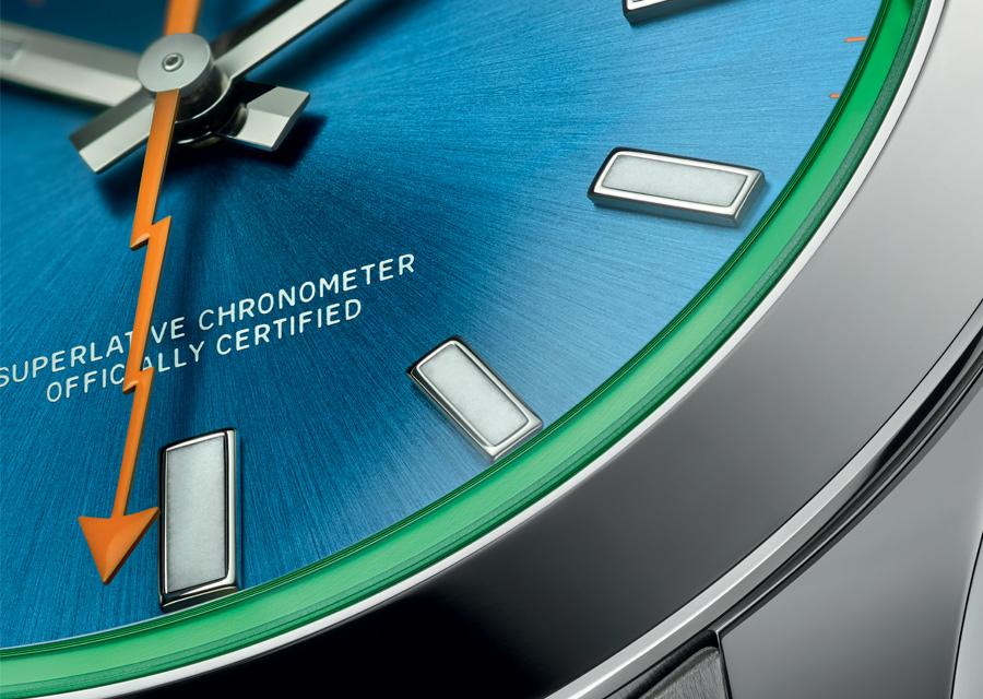 Le cadran bleu Z de la Rolex Milgauss accueille une aiguille en forme d'éclair de cour orange