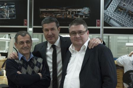 M. Vincent Calabrese, M. Antonio Calce, CEO et partenaire de Corum, et M. Laurent Besse du département Recherche et Développement mouvement Corum. ©Schiller-myimage